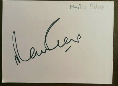 1966 World Cup Winner Martin Peters Signed Card.
