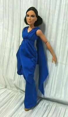 Barbie Wonder Woman Diana In Her Gown: Articulated Action Figure Fashion Doll