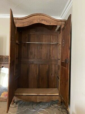 Beautiful Vintage French Solid Oak 2 door tall wardrobe