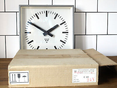 metal battery operated Pragotron wall clock - ORIGINAL BOX - industrial vintage