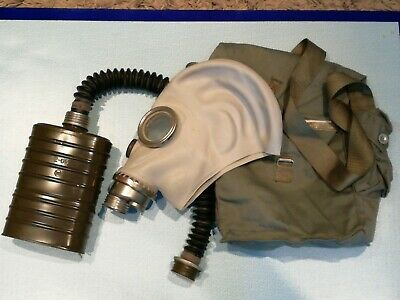 POLISH POLAND ARMY MP3 GAS MASK RESPIRATOR KIT with HOSE FILTER & BAG