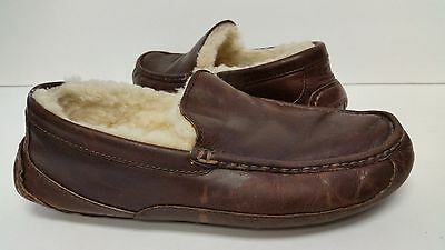 UGG Australia Ascot Brown Leather Fur Slippers Mens 9 (fits size 8) *NICE*