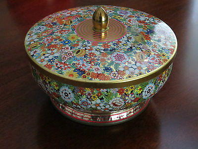 Vintage Metal Tin Mini  Flowers Made In England Lid Round Container