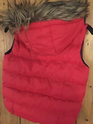 ❌Age 9-10 YD GIRLS HOODED GILET/BODYWARMER RED FUR EDGED