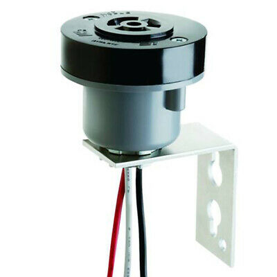 K122 Intermatic Base With Receptacle Twist Lock Photo Cell