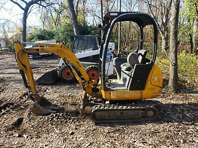 Takeuchi TB153FR excavator 4200 hrs with thumb, runs great