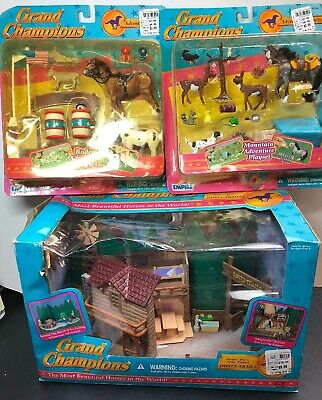 Grand Champions Model Horse Play Set Dusty Trails Rodeo Mountain Adventure 3 Set