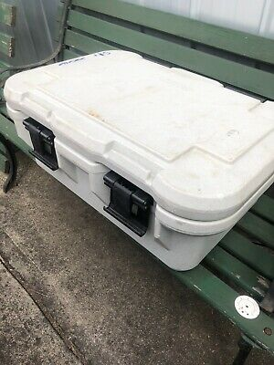 Cambro Top Loading Insulated Food Pan Carrier