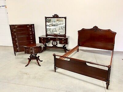 Fantastic 1920's Duncan Pfyfe Lyre Base Bedroom Set 4 Piece