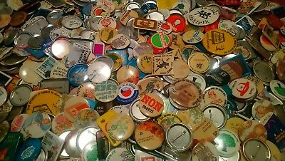Vintage lot 850 pcs PINBACK BUTTON politic advertising sports french canadian