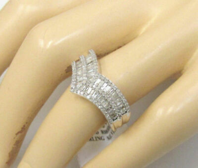"Natural 1 Carat Diamond Chevron ""V"" Band Ring Size 6"