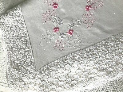 PRETTY VINTAGE WHITE COTTON TOP SHEET, MACHINE EMBROIDERY, LACE ¾ - double bed