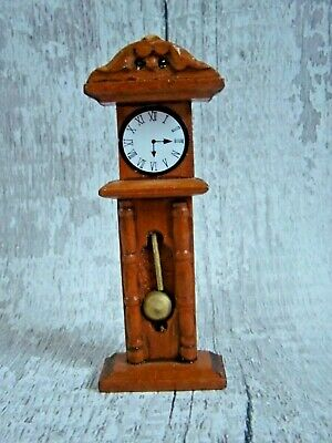 BRAND NEW DOLLS HOUSE MINATURE WOODEN GRANDFATHER CLOCK 11cm x 4cm