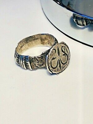 Antique Silver Roman Ring Hand Chiselled Decorations Rare Collectable