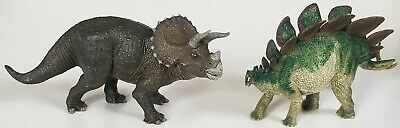 """PAPO lot of  9"""" TRICERATOPS 2006 and 9"""" STEGOSAURUS 2005 dinosaurs"""