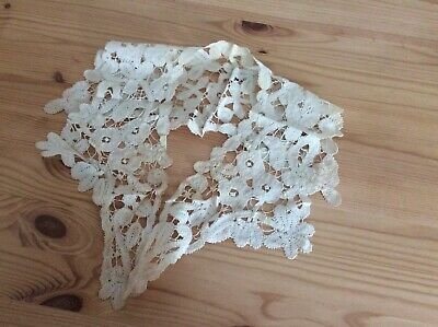 "Antique Bobbin Lace Collar 10 &1/2 "" By 15"""