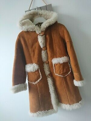 Girl faux fur furry borg coat 4 years excellent condition beautiful