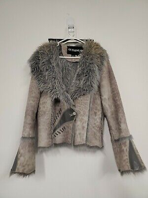 Outerwear By Lisa gray bell sleeve animal print  Faux Fur Jacket Coat Size XL