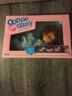 Vintage 1991 TYCO OOPSIE LITTLE DAISY Baby Doll Cries Crawls New