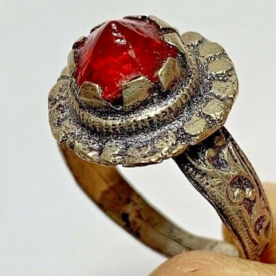ANCIENT ROMAN SILVER RING WITH RARE RED STONE INTAGLIO  (inner 21mm)