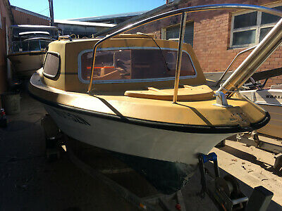 17' Half Cabin Fibreglass PONGRASS Project Hull Only, NO Trailer, NO Motor