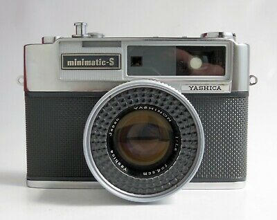 Yashica Minimatic-S 35mm Rangefinder Camera 4.5cm f1.8 Lens MINT Cosmetics AS IS