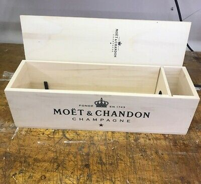 Moet Chandon Large Champagne Wooden Box Display Piece. Great Condition