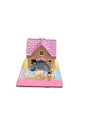 POLLY POCKET Pollyville 1993 Cozy Cottage House. Complete Set