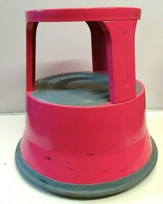 Steel Kick Step - Pink very good condition Portable wheeled Stool