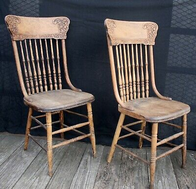 Pair Vintage Antique Old Carved Oak Wood Wooden Dining Side Accent Chair Windsor