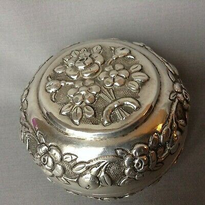 Chinese snuff box C19th  silver white metal