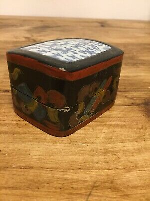 Vintage Chinese Laquered Trinket Box With Blue And White Tiled Lid