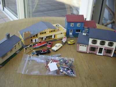 N Scale 4 houses cars boats fences people trees