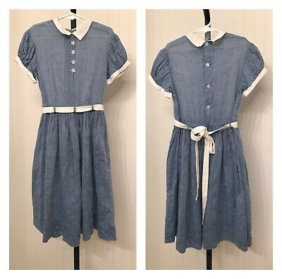 Vintage 1940s girls dress size 10, star shaped buttons, white linen trim