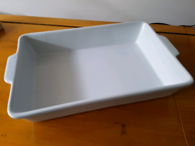Oven baking dish - great condition