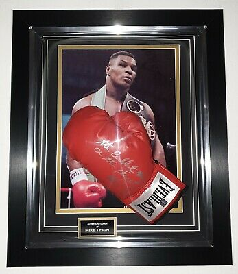 *** Rare MIke Tyson SIGNED Boxing GLOVE Autographed Display *** NEW DOME DISPLAY