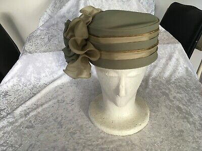 VINTAGE 60s EXCLUSIVELY HATS ADELAIDE OLIVE  SAGE GREEN PILL BOX w RUFFLE FLOWER