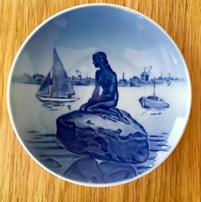 Vintage Royal Copenhagen China Little Mermaid In Front Of Dock Wall Plate