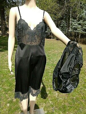 Vintage VANITY FAIR, 36, black lacy full slip with matching size 6 granny pantie