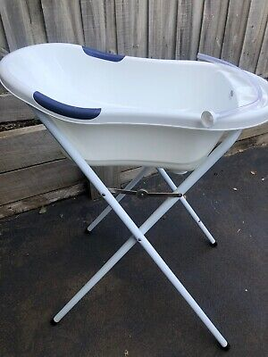 Baby bathtub and stand