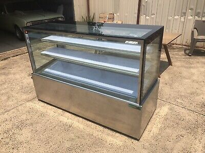 Display Fridge - Commercial - LED Lighting - Good condition