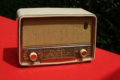 Lovely Vintage Cream Bakelite Fleetwood  Valve Radio