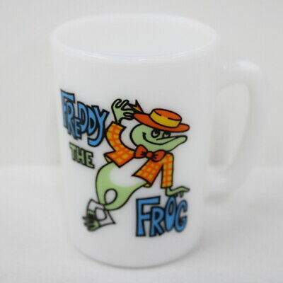 Vintage AVON Freddy the Frog Milk Glass Cup #546