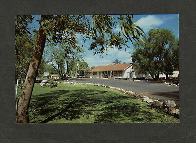 s1561)    1970's  POSTCARD OF  BP LAKE CLIFTON (HALFWAY HOUSE) WESTERN AUSTRALIA