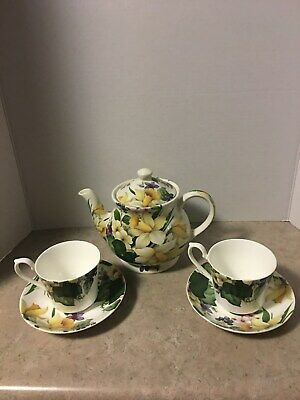 Victoria Secret Fine China Teapot, 2 Cups and Saucers Made in England Daffodils