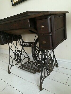 VINTAGE 1930 SINGER No15 Sewing Machine  Cast Iron Base Table & Attachments book