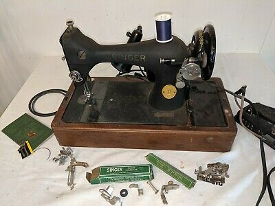 Singer Sewing Machine Model 128 18 Vibrating Shuttle - Needs Rewiring