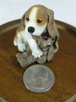 "VTG Living Stone *BEAGLE w Bunny*  Cute!! 2"" tall figurine~Detailed~"