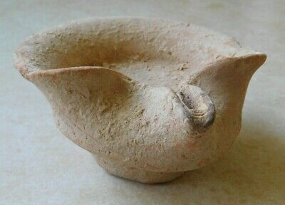 Single-spouted Judaean Lamp, Iron Age IIC (800-586 BC) Thick, high disc base.