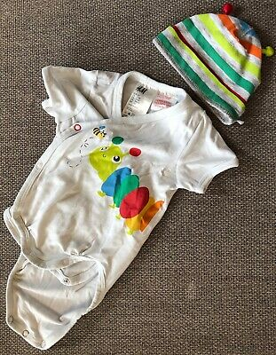 The World Of Eric Carle The Very Hungry Caterpillar  0-3 Months Sleepsuit /& Hat